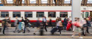 train-1807911_640